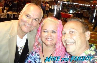 john-kapelos-now-2016-meeting-fans-selfie-breakfast-club-1