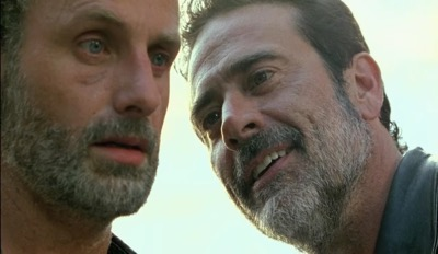 the-walking-dead-season-7-negan-knocks-2