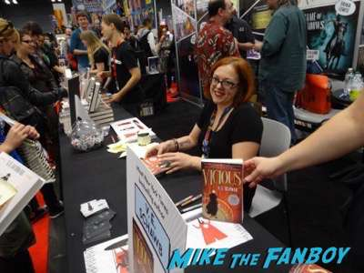 victoria-schwab at nycc 2016