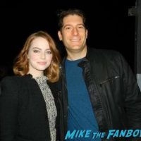 emma-stone-meeting-fans-signing-autographs-la-la-land-q-and-a-9