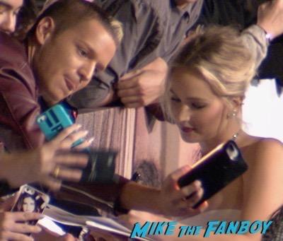 passengers-los-angeles-premiere-jennifer-lawrence-signing-autographs-2