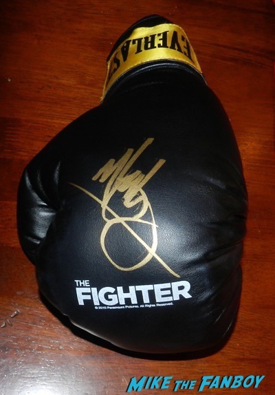 mark wahlberg signed autograph the fighter boxing glove psa