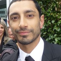Riz Ahmed signing autographs meeting fans 2017 2