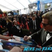 Matthew Modine SAG Awards 2017 signing autographs bleachers 14