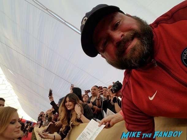Amy Adams meeting fans photo flop selfie 2