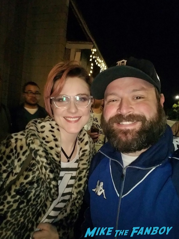 Evan Rachel Wood meeting fans selfie nice james marsden 10