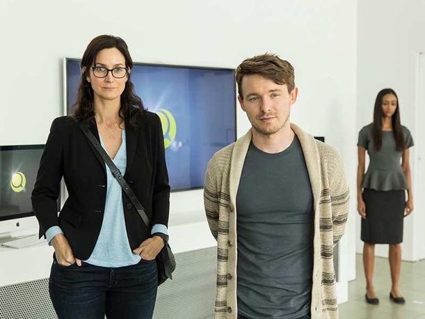 Humans Season 2 premiere review 7