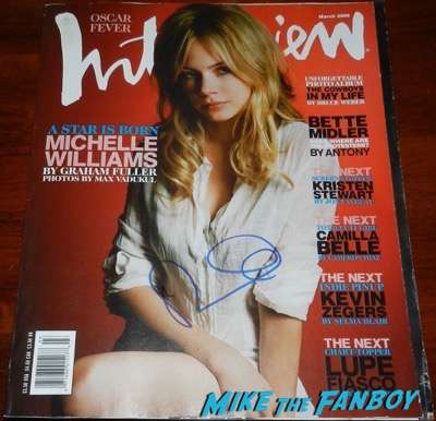 Michelle Williams signed autograph interview magazine PSA