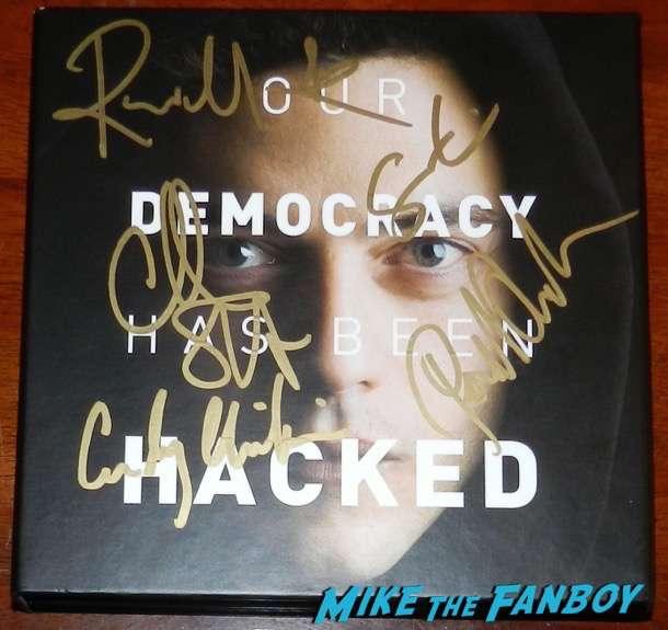 Mr robot signed autograph golden globe box set rami malek portia doubleday