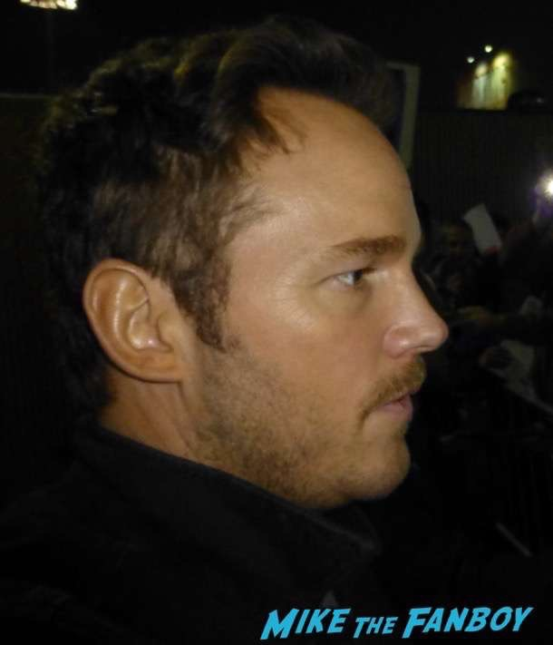 Chris Pratt Meeting Fans Jimmy Kimmel Live 2017 signing autographs 1