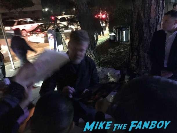 Glen Hansard  meeting fans signing autographs Oscar Wilde green carpet signing autographs for fans 3