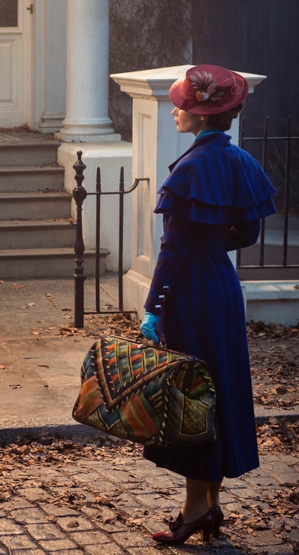 emily blunt in Mary Poppins returns 1