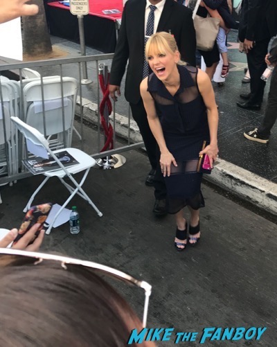 Chris Pratt walk of fame star ceremony meeting fans signing autographs 3