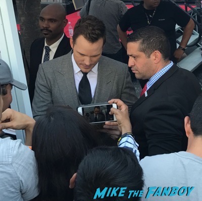 Chris Pratt walk of fame star ceremony meeting fans signing autographs 1