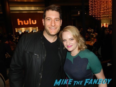 Elisabeth Moss meeting fans the mick the contenders event fyc 2017