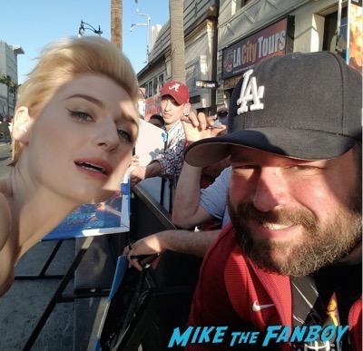 Elizabeth Debicki photo flop meeting fans selfie GOTG 2