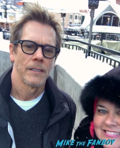kevin bacon selfie meeting fans