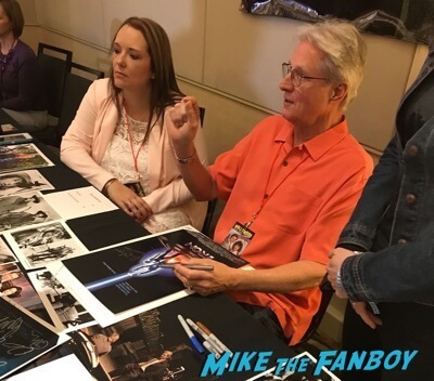 Hollywood Show Julie Newmar meeting fans Bruce Boxleitner 3