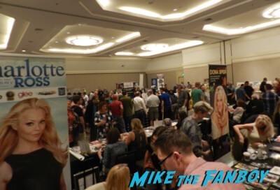 Hollywood Show Julie Newmar meeting fans Bruce Boxleitner 18