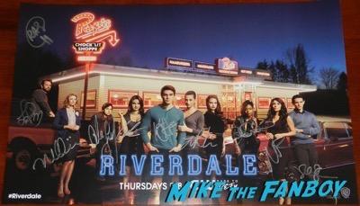 Riverdale wondercon signed autograph poster 2017