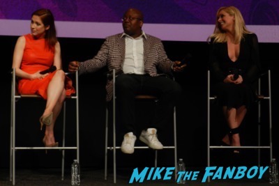Unbreakable Kimmy Schmidt FYC Panel ellie kemper meeting fans 1Unbreakable Kimmy Schmidt FYC Panel ellie kemper meeting fans 1