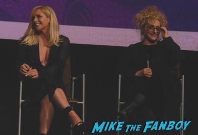 Unbreakable Kimmy Schmidt FYC Panel ellie kemper meeting fans 1