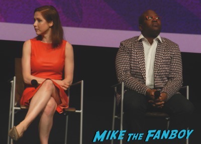 Unbreakable Kimmy Schmidt FYC Panel ellie kemper meeting fans 1