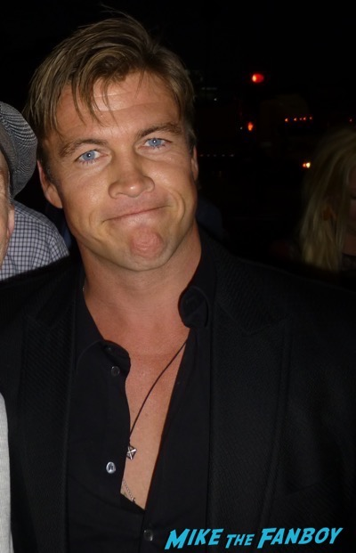 Hickok Premiere Luke Hemsworth Meeting Fans signing autographs 2