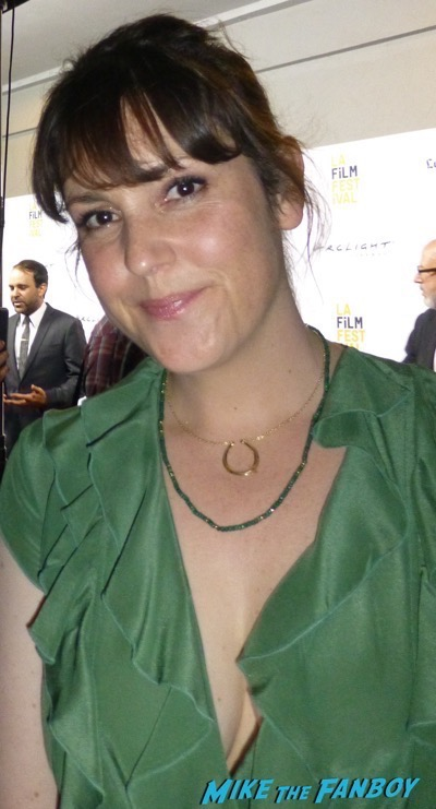 Melanie Lynskey signing autographs meeting fans hot sexy 4