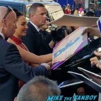 gal gadot signing autographs Wonder Woman Premiere gal gadot signing autographs meeting fans 21