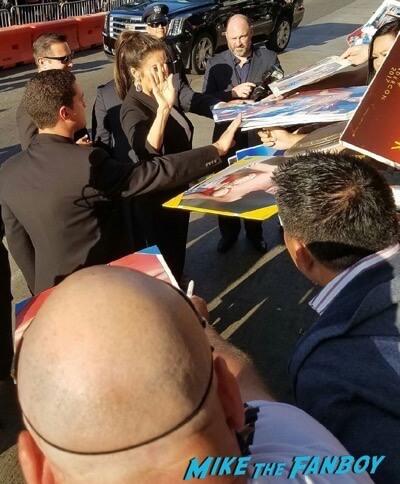 lynda carter signing autographs Wonder Woman Premiere gal gadot signing autographs meeting fans 21