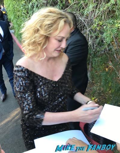 virginia madsen signing autographs saturn awards 2017virginia madsen signing autographs saturn awards 2017