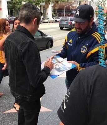 thomas lennon signing autographs