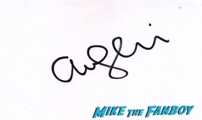Amanda Seyfried and Thomas Sadoski signed autograph psa