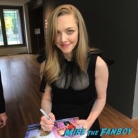 Amanda Seyfried and Thomas Sadoski meeting fans singapore signing autographs 4