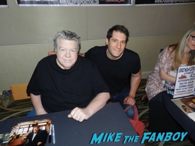 george wendt meeting fans signed autograph