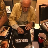 Bruce Dern signing autographs meeting fans hollywood show