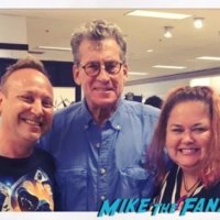 Paul Michael Glaser meeting fans signing autographs 1