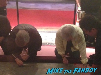 Tobe Hooper Meeting fans signing autographs 2