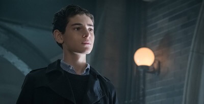 "OTHAM: David Mazouz in the""Mad City: Anything For You"" episode of GOTHAM airing Monday, Oct. 17 (8:00-9:01 PM ET/PT) on FOX.  ©2016 Fox Broadcasting Co. Cr: Jeff Neumann/FOX."