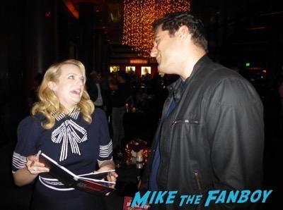 elisabeth Moss Meeting fans The Handmaid's Tale Q and A Elisabeth Moss meeting fans 1