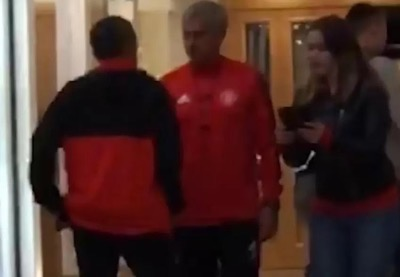 https://www.thesun.co.uk/sport/football/4568517/manchester-united-jose-mourinho-refuses-fan-autograph/