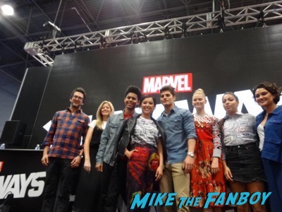 Marvel's Runaways signing NYCC autograph1
