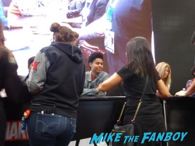 Marvel's Runaways signing NYCC autograph3