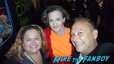 Joan Cusack meeting fans signing autographs selfie