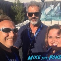 Mel Gibson fan photo meeting fans selfie 2