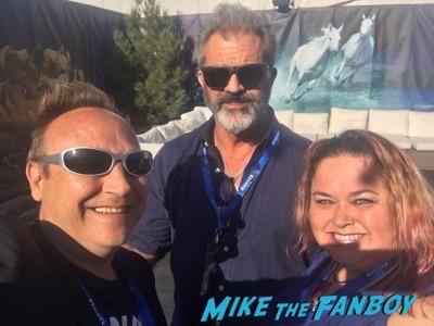 Mel Gibson fan photo meeting fans selfie 2