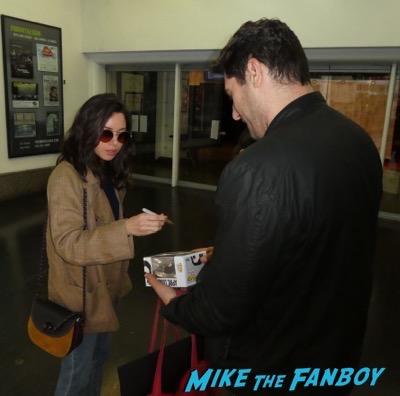 Aubrey Plaza meeting fans 8Aubrey Plaza meeting fans 8