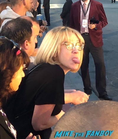 lindsay from I am not a stalker Palm Springs Film Festival 2017 signing autographs selfie 15
