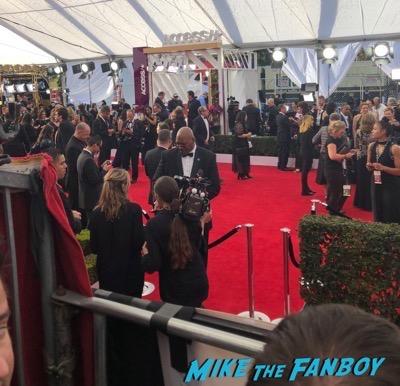 SAG Awards 2018 red carpet signing autographs 1